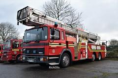 DSC_0001 - Copy (richellis1978) Tags: erf ec ec8 west midlands fire service appliance aldridge low cab special rare simon snorkel t277 t277uon uon saxon wmfs 117