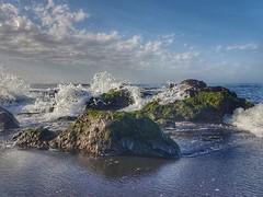 Olas en Puerto de la Cruz (jantoniojess) Tags: islascanarias tenerife puertodelacruz spain españa wave waves olas rocasplaya mar sea playa playajardíntenerife sand arena landscape