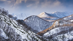 Last Light, Hokkaido (pixellesley) Tags: hokkaido rausu japan mountains snow winter lastlight evening sundown forests landscape clouds lesleygooding sony 100mm m9