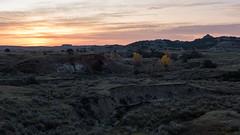 Dawn at TRNP ((JAndersen)) Tags: teddyrooseveltnationalpark northdakota usa dawn sunrise landscape flickr badlands autumn