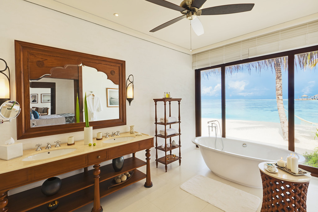 Beach Villa - Bathroom