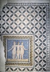 Mosaico de las tres Gracias (Á. M. Felicísimo) Tags: romano