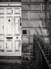 20180107-0133-Edit (www.cjo.info) Tags: bw bellevuecrescent edinburgh europe europeanunion m43 m43mount microfourthirds newtown nikcollection olympus olympusmzuikodigital25mmf18 olympuspenf scotland silverefexpro silverefexpro2 unitedkingdom westerneurope architecture blackwhite blackandwhite building citycenter decay digital door iron ironwork metal monochrome oldbuilding paint peelingpaint railings tenament wroughtiron