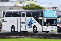 8129_261-FX (Haw-Shyang Chang) Tags: 鼎東客運山線 8129 261fx b7r volvo 大吉車體