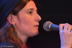 PKA_3014 (pekuas) Tags: shireenpekuas festivalmusikpolitik wabe berlin jugendtheatertage wessen welt künstler aktion folk songwriter