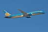 VN0050 LHR-SGN (A380spotter) Tags: takeoff departure climb climbout strobe beacon boeing 787 9 900 7879 dreamliner™ dreamliner vna864 hãnghàngkhôngquốcgiaviệtnam vietnamairlines vietnamairlinescompanylimited hvn vn vn0050 lhrsgn runway09r 09r london heathrow egll lhr
