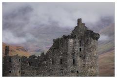 (Light Magnetic) Tags: ruin buildings castle uk kilchurncastle scotland