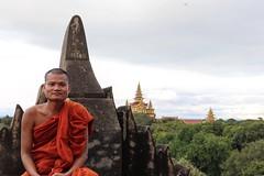 (tobey_wolfinger) Tags: orange tempel bagan myanmar fantastic goodone likeit pictureoftheday natureshot perfectshot canon80d canon abenteuer adventure mönch monk travel reisen nature