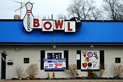 Wauconda Bowl - Wauconda, Illinois (Cragin Spring) Tags: illinois il midwest lakecountyil unitedstates usa unitedstatesofamerica wauconda waucondail waucondaillinois neon neonsign bowling bowlingalley bowl