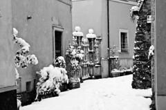 Snowing in Rieti 26_02_2018 Black&White (AleMex66) Tags: rieti d7000 nikonclub nikon lazio italy italia borgo borghi travel travelblogger touring tourism snow snowing medievale medieval amazing cityscape streetphotography photography photo travelphotography