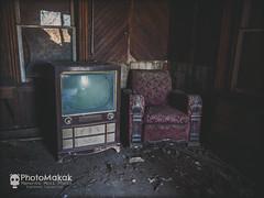 Stealing Time (photoMakak) Tags: 6d canon6d canon canonef1740mmf4lusm photomakak mementomori mementomoriphoto urbex decay abandoned abandonné urbanexploration derelict rurex ruralexplorer ruraldecay ruralexploration tv television téléviseur télévision fauteuil armchair