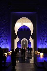 Grand Mosque, Abu Dhabi, UAE. (Subrata_AD) Tags: canoneos5dmarkiv canonef85mmf12liiusmlens thingstoseeinabudhabi religion mosque monument primelens uae abudhabi streetphotography lighting architecture nightphotography