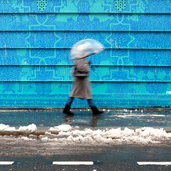 Umbrella ( blur walkers ) (Jean-Marc Vernier) Tags: blur flou snow neige umbrella parapluie walk streetphotography streetphotographer streetview street urban city fujifilm fujixt20