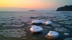 Bridge over Troubled Water (Basse911) Tags: ice sea stones husbeach husstranden östersjön itämeri balticsea ostsee winter talvi vinter february helmikuu februari hangö hanko finland suomi nordic