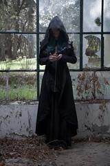 IMG_1980 (m.acqualeni) Tags: manu manuel ginette osef le dieu g shaman cosplay dark urbex maison abandonné house broken fille femme capuche gothique gothic goth