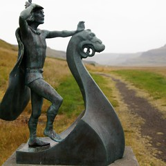 Discoverer of worlds (little_frank) Tags: leiferiksson statue eiríksstaðir westiceland leifthelucky viking discoverer norse sculpture drakkar navigator ship erikthered explorer vinlandsaga iceland courage pride icelander dragon looking observing horizon art artistic vikings vikinglonghouse chief jarl earl