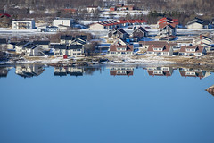 A great cold winter day (G E Nilsen) Tags: mirror residential area mosheim klauvmarka kløvermarka sea blue norway nordnorge northernnorway norwegiancoast houses building water boat landscape bay