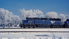 Cold Morning (wales23us) Tags: bnsf mrl mrl310 sd452 rochelle rochelleil hoarfrost 12141997 schcptl