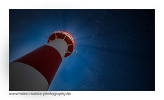 Stern-Stunde / star moment (H. Roebke) Tags: canon1635mmf28lisiii de deutschland landscape landschaft küste himmel germany lighthousethursday nordfriesland backlit 2017 nightshot nachtaufnahme strand beach canon5dmkiv leuchtturm architecture architektur sylt lighthouse gegenlicht sky