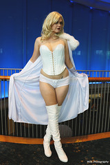 IMG_7605 (willdleeesq) Tags: cosplay cosplayer cosplayers lbce lbce2018 longbeachcomicexpo longbeachcomicexpo2018 emmafrost marvel marvelcomics whitequeen xmen