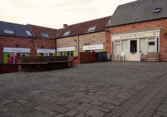 Bolsover Courtyard (2). Jan. 2018 (SimonHX100v) Tags: bolsover bolsovercourtyard derbyshire building buildings urban urbanphotography street candid streetphotography streetphoto streetphotographer photography streetstyle perspective pointofview lowpov pov depthoffield dof leadinglines january january2018 outdoor outdoors outside town village alley shop simonhx100v sonydschx100v sonyhx100v hx100v derby