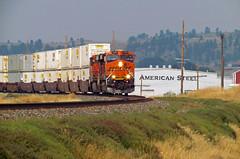 BNSF 7425, QALTPLT6, Johnson Lane, Billings, MT 8-18-17 (mikeball1374) Tags: montanaraillink mrl bnsf ge billings montana intermodal es44dc widecab stacktrain train transportation trainphotography photography railfanning railroad locomotive