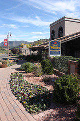 Sedona (dbind747438) Tags: sedona arizona usa united states america country town desert motel garden path perspective
