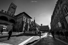 Fontana del Nettuno - Bologna (angelo.nacchio) Tags: emiliaromagna emilia fontana nettuno bologna canon bianco nero