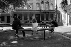 Les Marolles - 059 (bruxelles5) Tags: marolles brussels bruxelles quartier populaire rue haute noir blanc black white