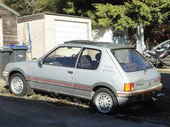 1989 PEUGEOT 1.6 GTi (shagracer) Tags: jrn27s sorn dull flat paint paintwork stood unloved soft tyre dent shabby run down tired dead dying neglected forgotten hot hatch pug gti