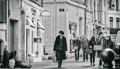 vue sans l'être (Antares 117) Tags: street rue ville city vitesse scènedevie people aix en provence marseille photoartistique noiretblanc black white bw canon