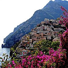 Positano, Costiera Amalfitana (pom'.) Tags: canondigitalixus500 july 2005 positano amalfi napoli campania costieraamalfitana costiera sea mediterraneansea italia italy europeanunion penisolasorrentina martirreno naples tyrrheniansea 100 200 300 400 5000