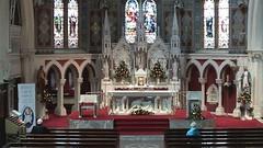 Anglų lietuvių žodynas. Žodis chapel reiškia n bažnytėlė, koplyčia; kapela lietuviškai.