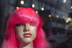 that sort of feeling (1crzqbn) Tags: 1crzqbn lensbaby pdx 6522018 bokeh reflections blur pink lips mannequin