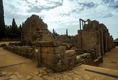 Detras de la scaena, teatro romano de Mérida (Nebelkuss) Tags: mérida teatro theatre roma romanos romans ruinas ruins ruinasyyacimientos fujixt1 samyang12f2