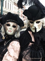 Carnaval Venise 2018 (Norman555) Tags: artistique art carnaval europe regard urban urbanlifeinmetropolis photo photography photographie photographe photos portrait public people venise venezia venetie italie costume norman olympus masque