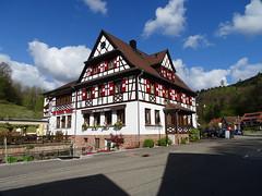 Niedersteinbach (Edouard55) Tags: france grandest niedersteinbach rueprincipale vosgesdunord parcnaturelrégional