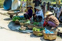 Trh v Cao Bang (zcesty) Tags: zelenina vietnam20 stánek prodavač domorodci vietnam caobang dosvěta tpcaobằng caobằng vn