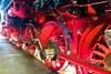 Das Laufwerk der Dampflokomotive 52 8177 im Ringlokschuppen des Bahnbetriebswerkes Berlin-Schöneweide (Jonny__B_Kirchhain) Tags: laufwerk radsatz antrieb dampflokomotive lokomotive 528177 kriegslokomotive baureihe52 rekolokomotive drbaureihe5280 ringlokschuppen lokschuppen bahnbetriebswerk bahnbetriebswerkberlinschöneweide betriebswerk tagdesoffenendenkmals denkmal berlin schöneweide berlinschöneweide treptowköpenik berlintreptowköpenik bezirktreptowköpenik deutschland germany allemagne alemania germania 德國 德意志 федеративная республика германия alemanha repúblicafederaldaalemanha niemcy republikafederalnaniemiec locomotive wheel