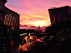 Exceptional sunset at Liverpool One. (Gussyfinknottle) Tags: liverpool liverpoolone merseyside britain england beautiful sunset red colour orange people night dusk stunning vibrant outdoors