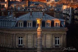 Statue Victoire de Louis-Simon Boizot - Place du Châtelet, Paris
