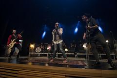 En la imagen se puede ver a 'El Drogas' y su banda en un momento del concierto.  Fotografía cedida por el fotógrafo local Óscar Blanco Gutiérrez