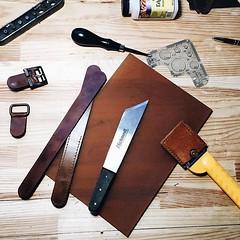 Workplace today. . . #workinprogress #innesbags #leatherwork #leathergoods #leathercraft #workingday #friday #lovemyjob #рабочееместо #пятница #мастерская #atelier #workshop (Sergey Kutsenko) Tags: innesbags handmade etsyshop etsy backpack bag