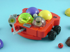 Rover Thing (Unijob) Tags: lego leg godt rover ball balls february febrovery spaceballs space astronaut toast red light turquoise purple yellow blue background towball voodoo technic wheels wheel dome engine helmet retro classic vintage rock rocks slope slopes curved run fast wheelie grille goggles engineer engineerd enginerd unijob lindo moc own creation event