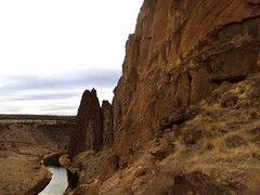 The Crooked River in Smith Rock State Park (Nikki Cleveland) Tags: river rock smithrock hike hiking trail smithrockstatepark parks crookedriver nature naturephotography view kodak photography stateparks oregonstateparks oregon miseryridgetrail