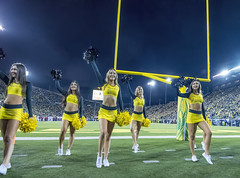 University of Oregon Cheerleading (acase1968) Tags: oregon ducks cheerleaders cheer eugene autzen stadium yellow green sports oregoncheer nikon d500 tokina 1120mm f28