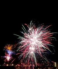 G7 X Mark II Fireworks - Feuerwerk - Silvester - Crop #003 (eagle1effi) Tags: fireworks feuerwerk g7xii g7xmarkii canonpowershotg7xmarkii canon powershot g7 x mark ii silvester 8s longexposure langzeitbelichtung