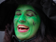 rather green (Werner Schnell Images (2.stream)) Tags: ws green red grün rot karneval
