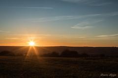 """""""Presque au bout"""" (regisfiacre) Tags: coucher soleil paysage landscape sunset sundown lorraine moselle france nuages clouds nature canon 5div mark iv 4 plein format full frame 24105mm l ciel sky himmel sun sonne ormersviller pays de bitche vosges du nord"""
