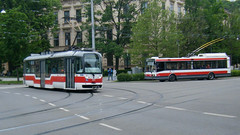 Brno tram No. 1590 and trolleybus 3026. (johnzebedee) Tags: tram transport publictransport vehicle brno czechrepublic johnzebedee trolleybus